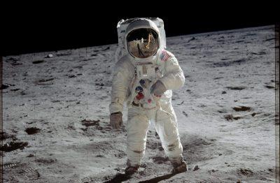 Program Apollo. O tym jak jedna idea zawładnęła milionami i dlaczego przetrwa miliony lat.